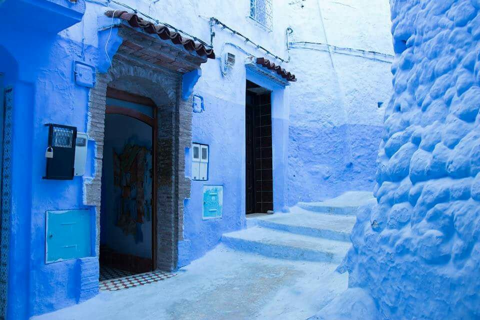 Visit the Blue city of chefchaouen, Morocco